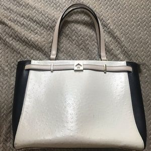♠️Kate Spade ostrich embossed leather tote♠️